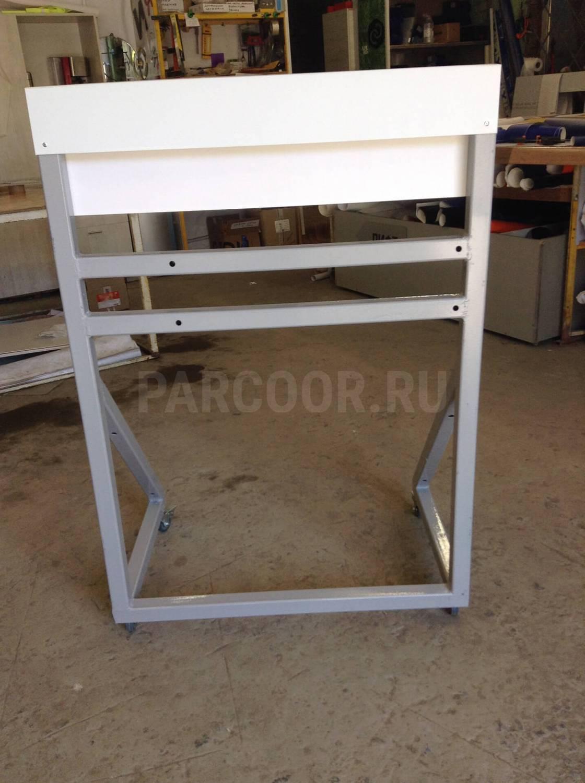 Стойка  под  размещение образцов навесного холодильного оборудования  Carrier