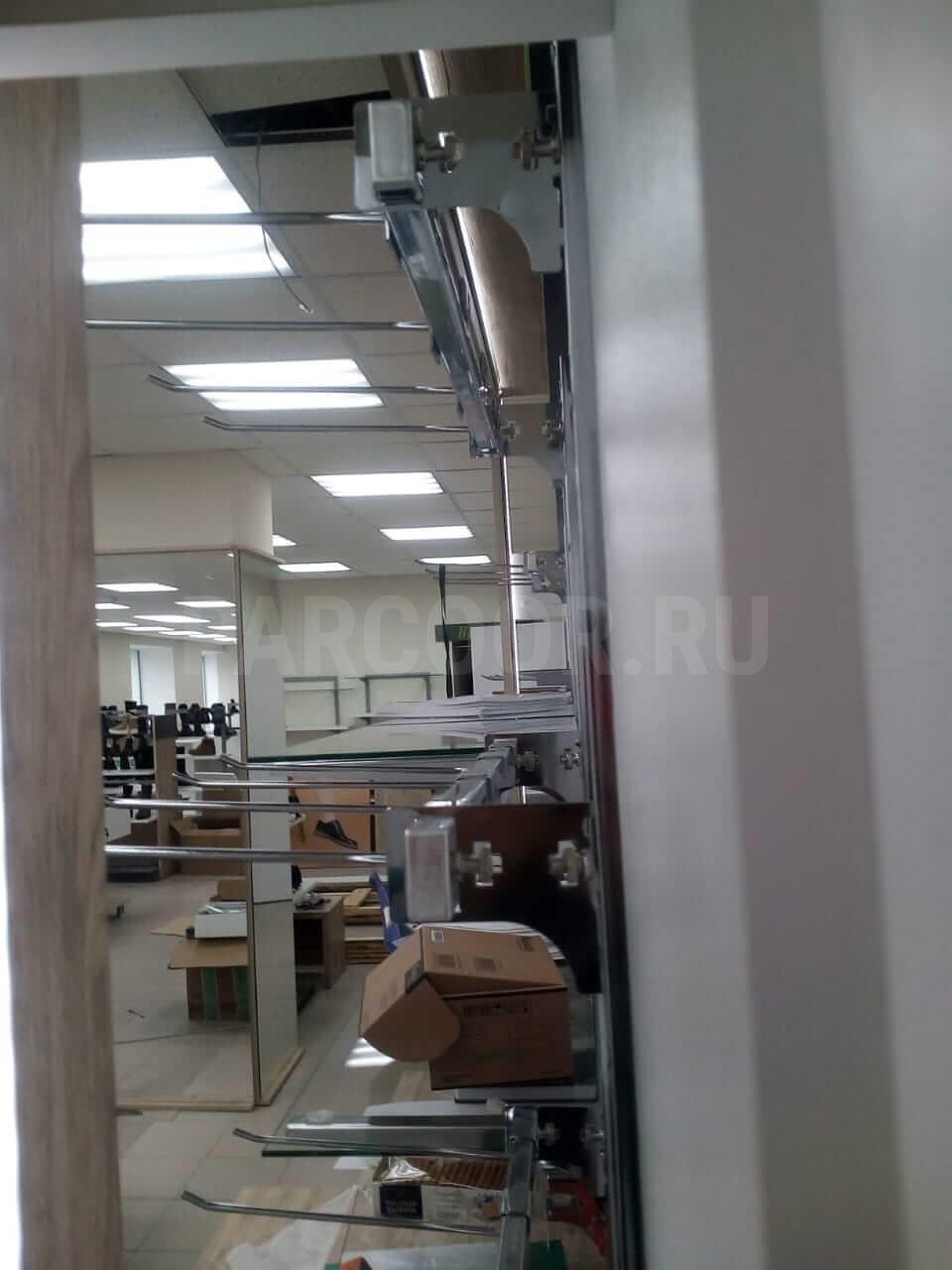 Для выкладки и хранения товаров изготовлены торговое и складское оборудование