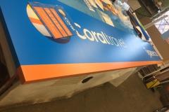 Изготовлена и смонтирована вывеска для офиса продаж Coral Travel