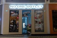 Изготовлены 3 вывески для No one outlet в аутлет-центре Brands Stories
