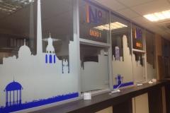 Выклейка пленками витрины и оборудование магазинов