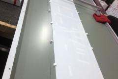 Световые вывески из композита с трафаретной фрезеровкой напросвет